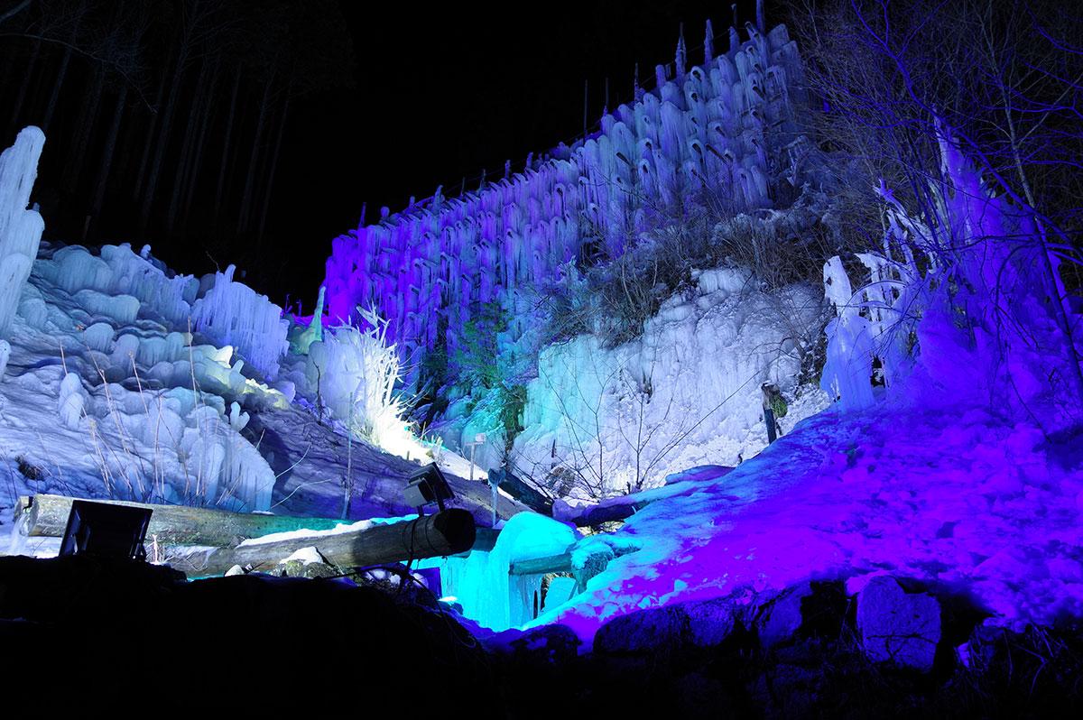湧水公園の氷瀑